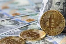 bitcoin rises in value