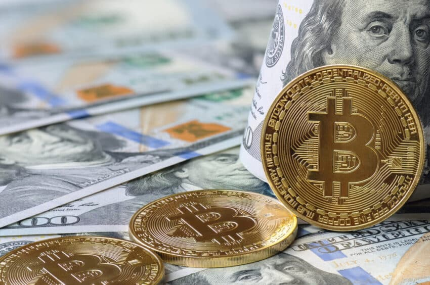 bitcoin rises in value