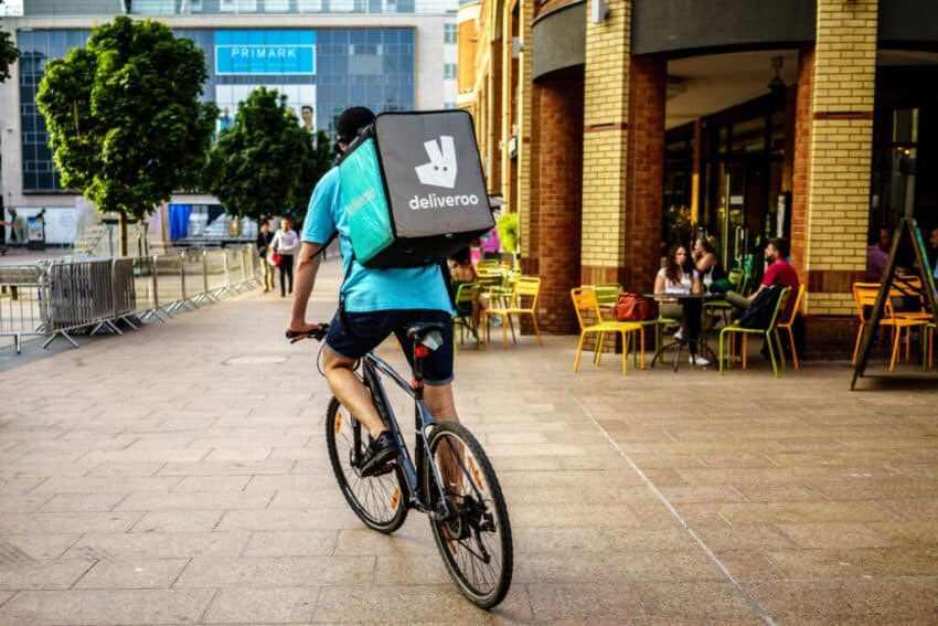 Deliveroo to hand busiest riders up to £10,000 in UK float