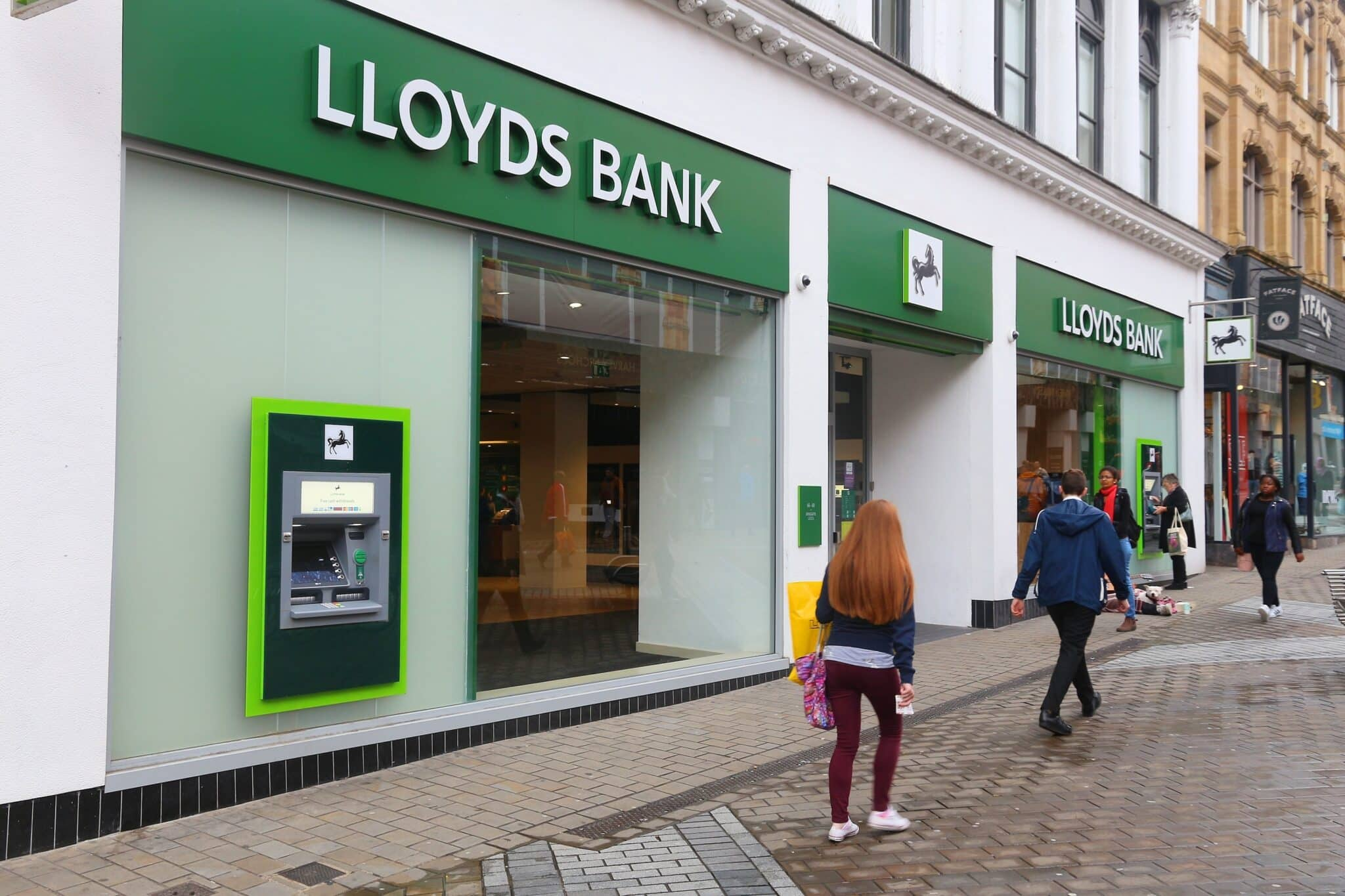 Lloyds profits soar as Covid loan loss provisions reduced