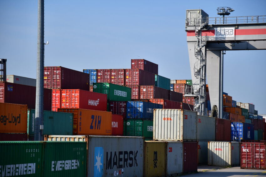 Containers pile up at Felixstowe