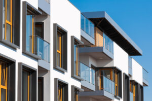 How to mitigate risks and handle real estate investments in uncertain economies